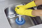 Три простых способа прочистить слив