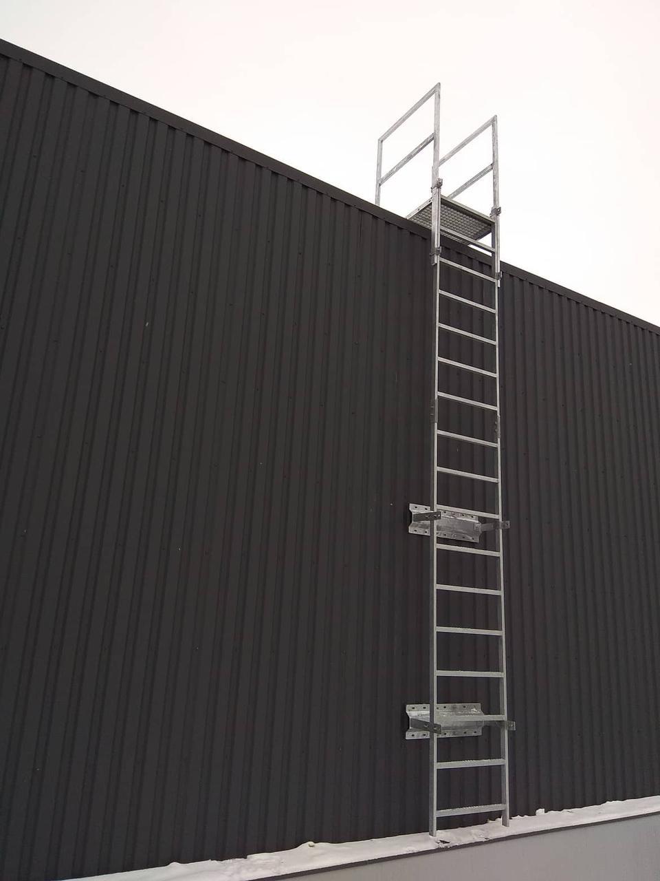 Вертикальная пожарная лестница тип П-1 (без ограждения)