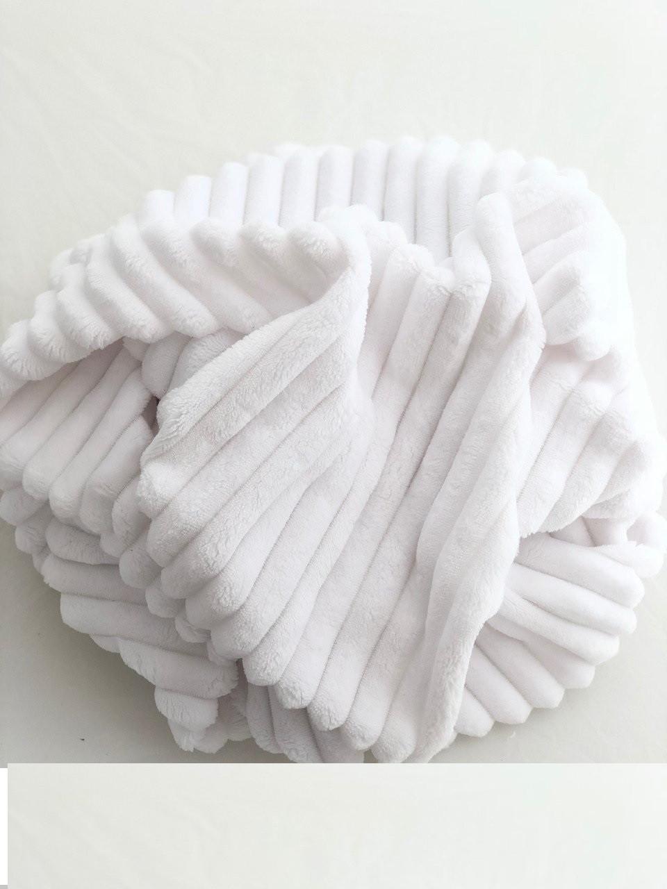 Плюшевый чехол на кушетку 76 см на 200 см - белый (шарпей)