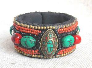Тибетский браслет ручной работы в этническом стиле.