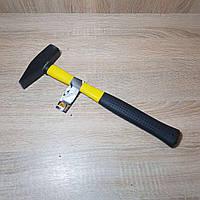 Молоток с ручкой из фибергласса 500г VOREL