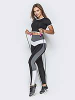 Черный с контрастными вставками костюм для фитнеса   с леггинсами и кроп- топом
