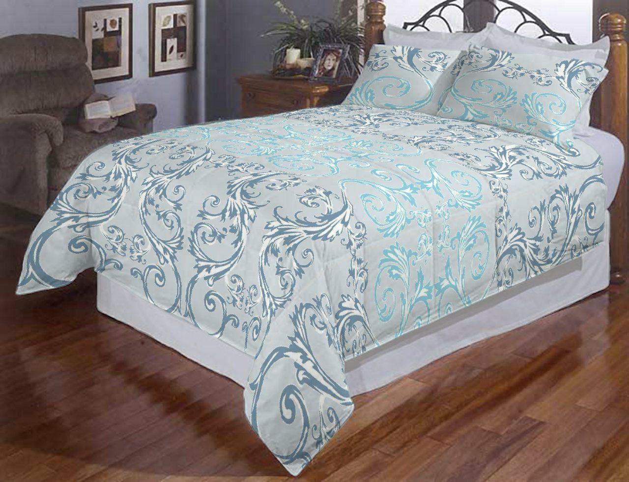 Евро постельное белье с красивыми вензелями .