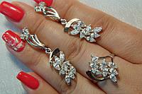 Серебряное кольцо и серьги с фианитами и золотом. Комплект украшений