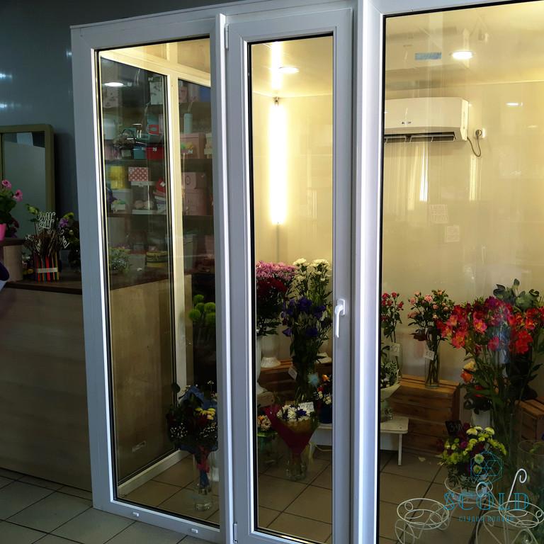Холодильная камера демонстрации цветочной продукции в городе Гуляйполе