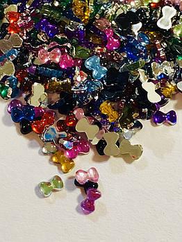 Стразы «бантики» для дизайна ногтей , размер 2*3 мм, микс цветов ,расфасовка по 50 шт