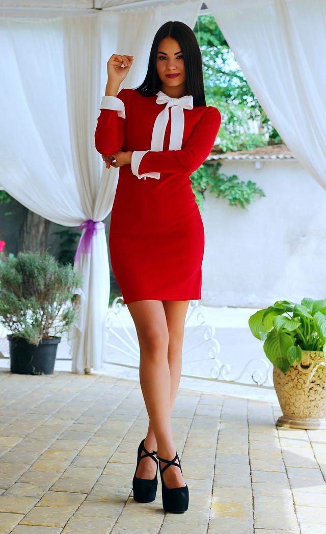 Женское офисное платье с длинным рукавом