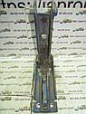Петля нижняя правой двери багажника Mercedes Vito W638 1995—2003г.в., фото 5