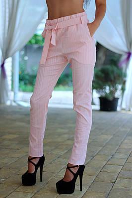 Женские высокие брюки нежно розового цвета в полоску