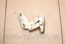 Петля капота левая 9017500351 б/у на Mercedes Sprinter 901-905 год 1995-2006