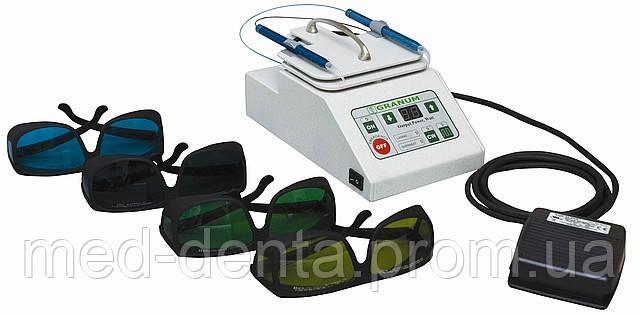 Стоматологический лазер с дополнительным излучающим модулем для л...