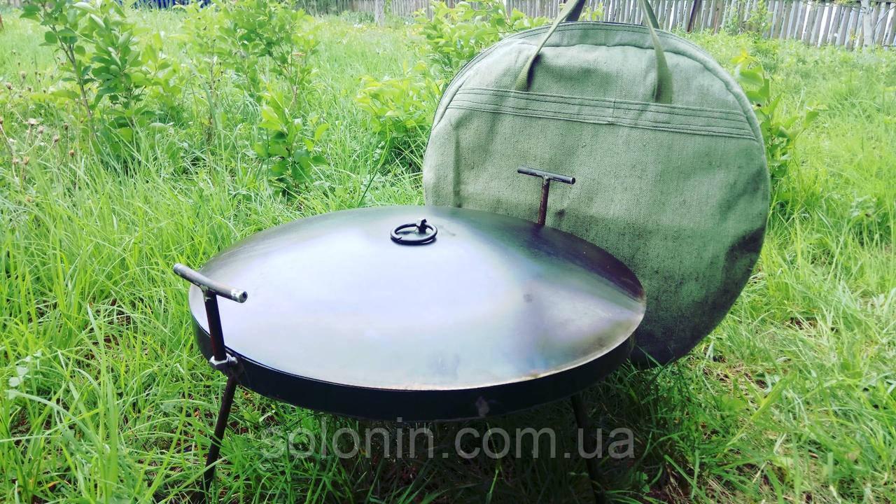 Большая сковорода из бороны с крышкой и чехлом.