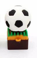 USB флешка футбольный мяч на газоне 32 Гб