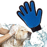 Щетка перчатка для вычесывания шерсти домашних животных True Touch