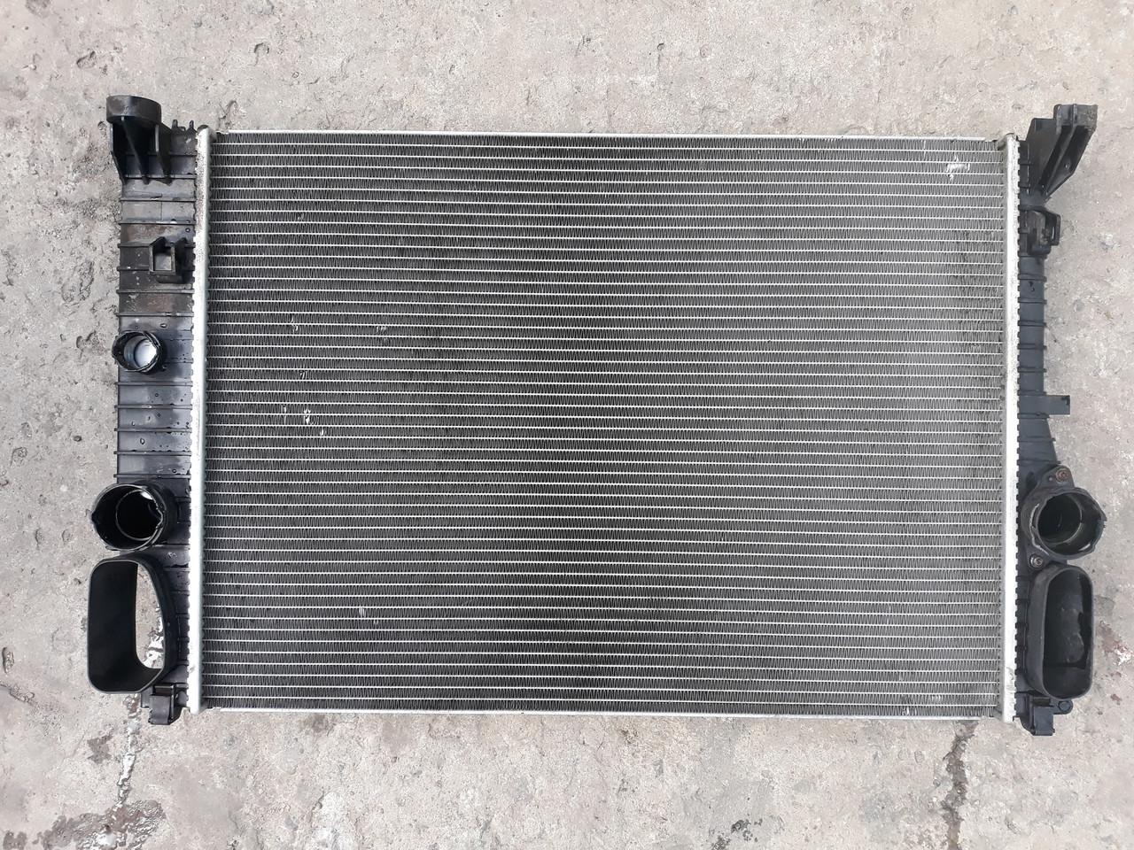 Радиатор охлаждение двигателя основной Mercedes w211 оригинал бу A2115003102 2115003102