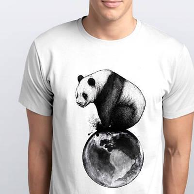 Футболка мужская с принтом Панда на шаре