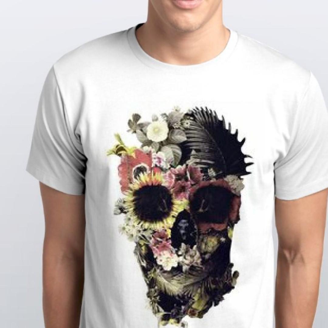 Футболка мужская череп в цветочной тематике