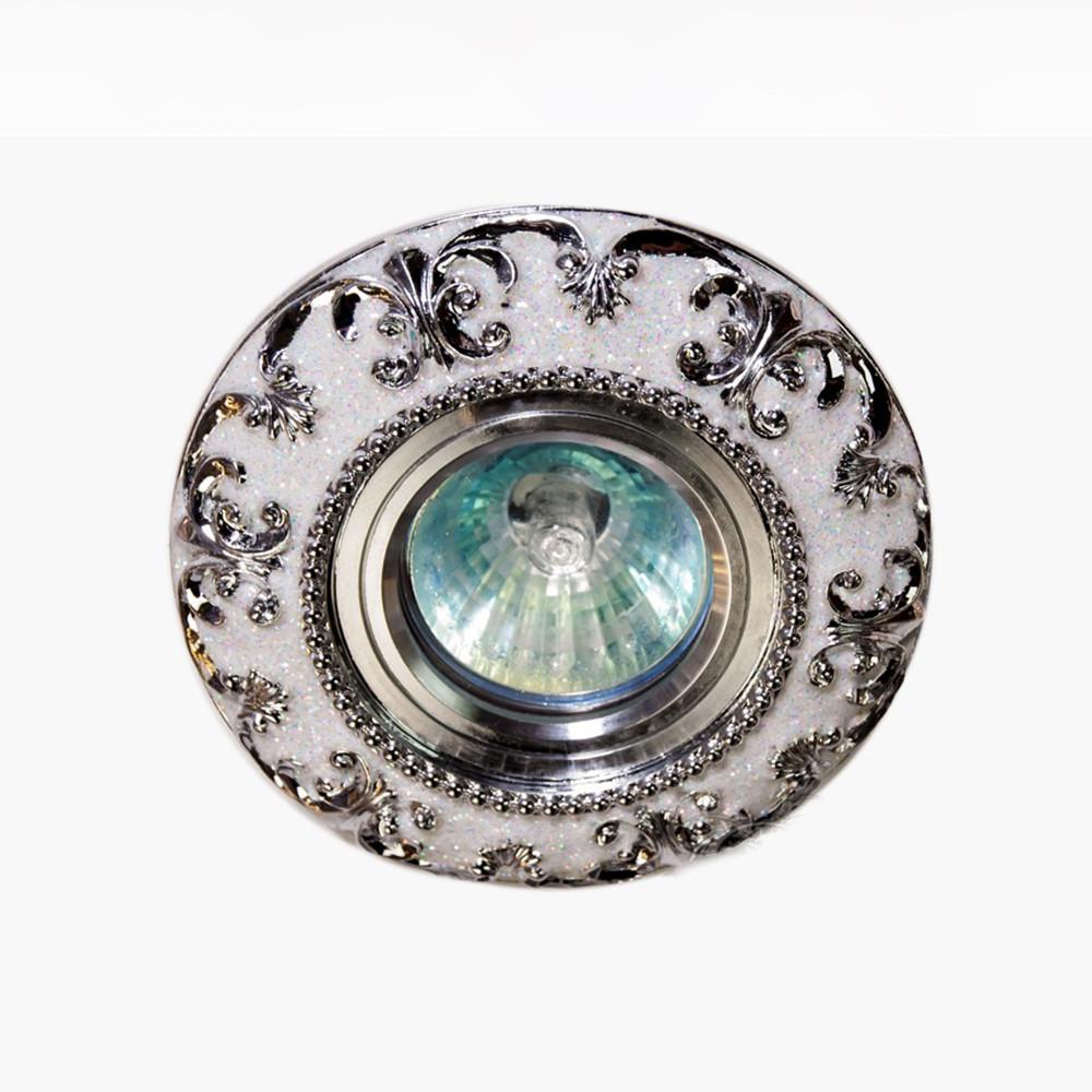 Точечный светильник под классический интерьер с вензелями (хром) СветМира D-4288CR