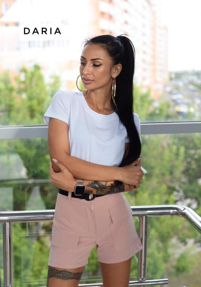 Пудровые женские шорты