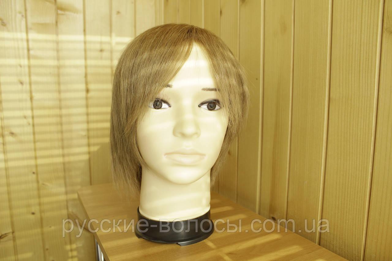 Жіночий парик з натуральних волосся. Середньо-русявий.