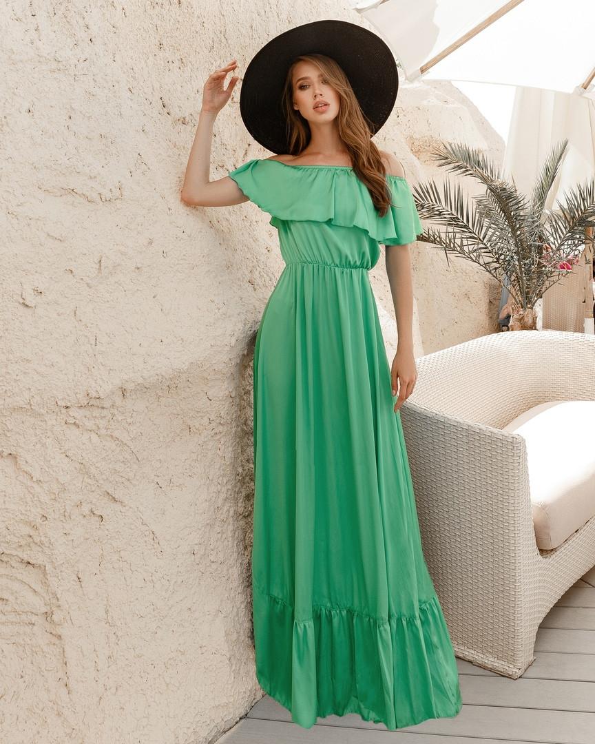 Очаровательное шелковое платье в пол