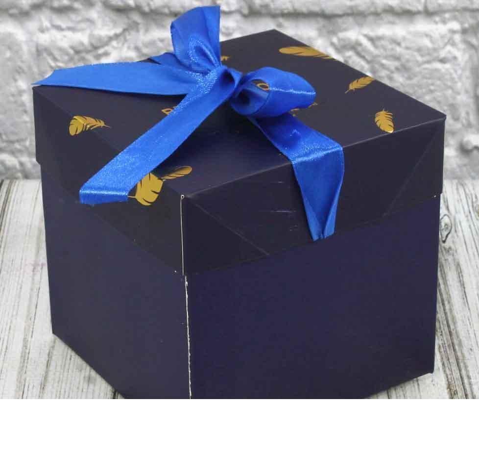 Подарочная коробка складная с лентой (16,5*16,5*16,5 см) СИНЯЯ ( поштучно)