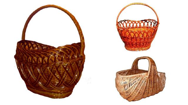 Одиночные плетеные корзины из лозы