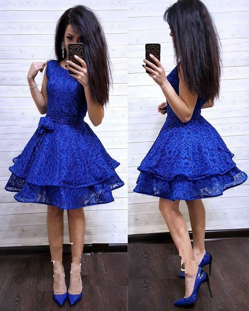 Шикарное нарядное пышное платье из кружева
