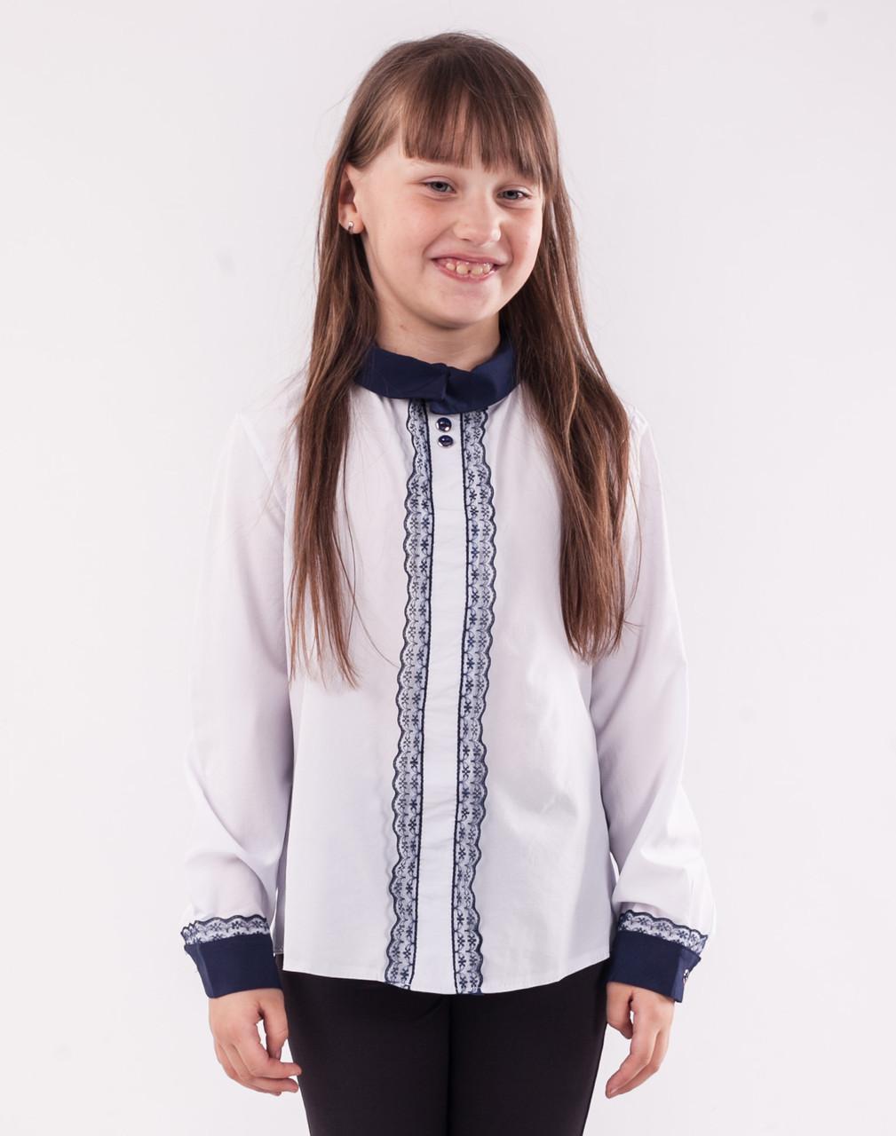 Детская блузка школьная белая для девочки с кружевной планкой