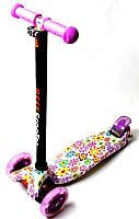 Детский трехколесный самокат MAXI. С рисунком Violet Flowers. Светящиеся фиолетовые колеса!, фото 1