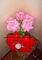 Букет 5 роз из шаров