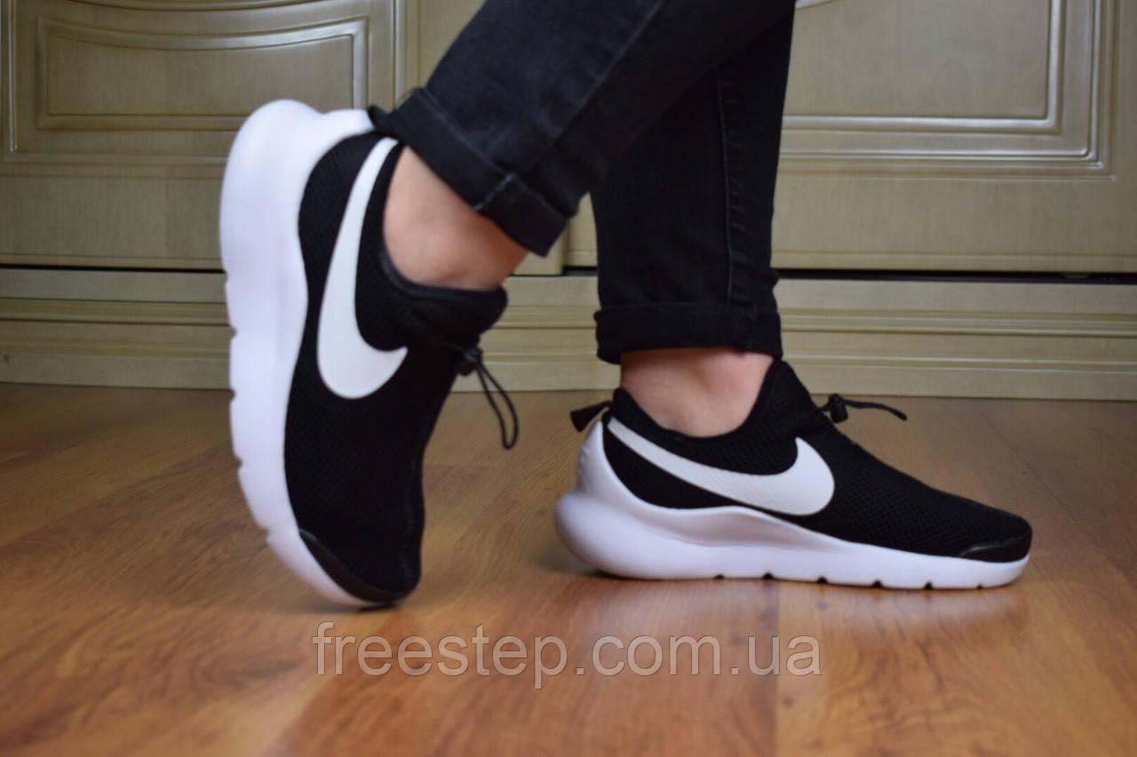 Мужские кроссовки в стиле Nike Air Max Tavas черные на белой