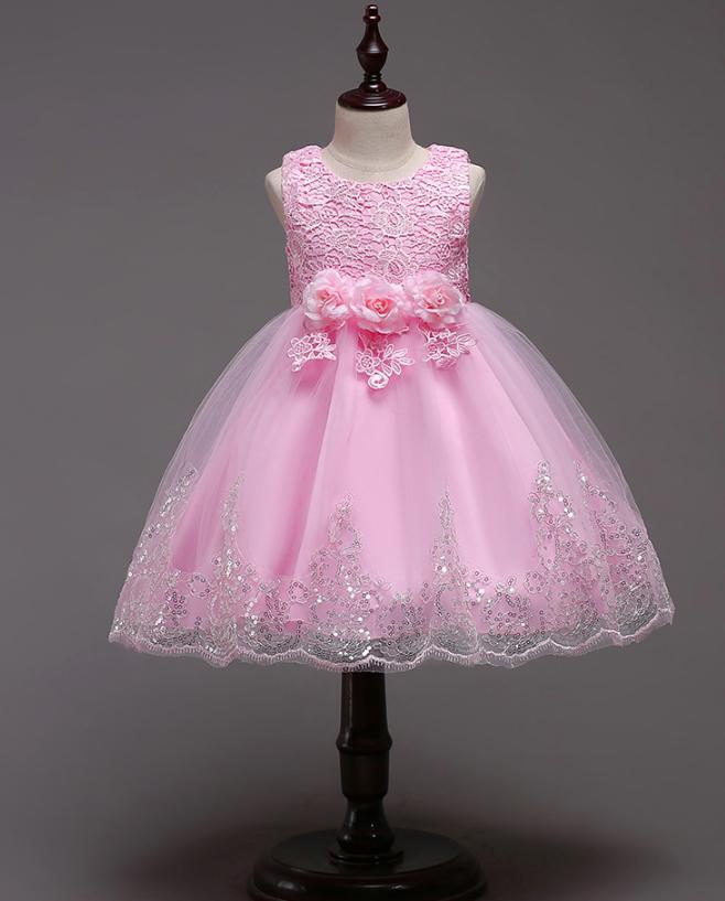 Платье нежно-розовое короткое пышное нарядное для девочки
