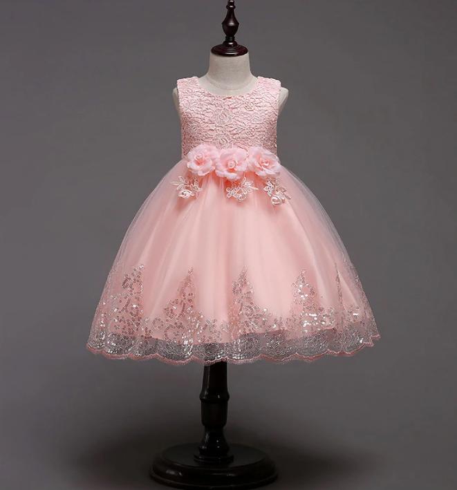 Платье персиковое короткое пышное нарядное для девочки