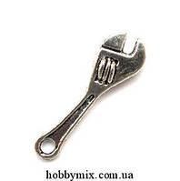 """Метал. подвеска """"разводной ключ"""" серебро (0,7х1,4 см) 12 шт в уп."""