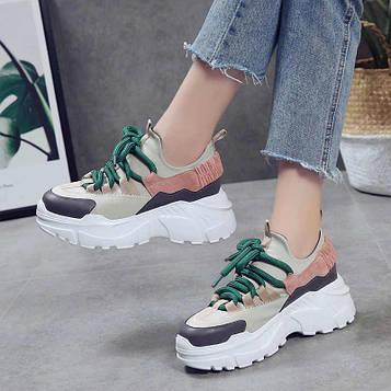 Кроссовки на массивной подошве с толстым шнурком
