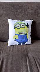 Декоративная подушка - Миньон