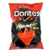 Чипсы Doritos Flamin' Hot Nacho 28,3 g