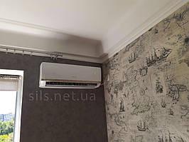 Кондиционер Gree GWH09AAA-K3NNA2A серия Bora вписался в интерьер комнаты как влитой.