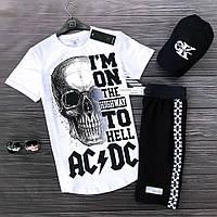 Мужской комплект: белая футболка, черные шорты, солнцезащитные очки  и черная кепка