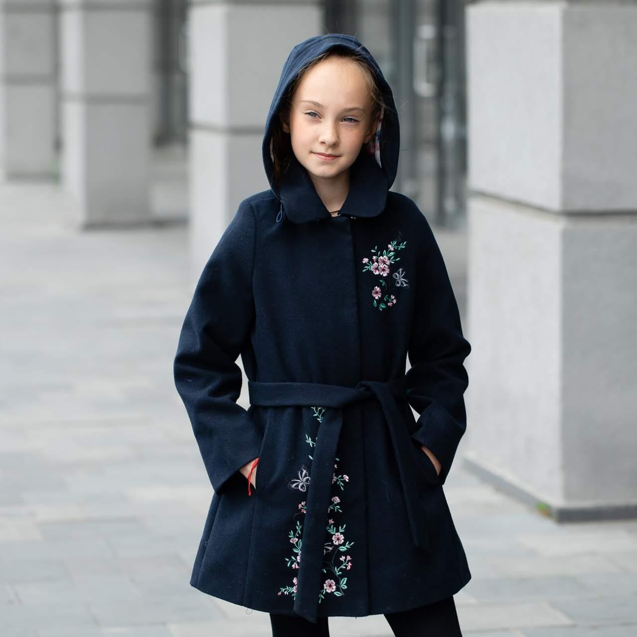 Демисезонное пальто для девочки «Сакура», цвет - синий, размер 122 - 146.