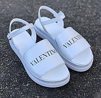 Женские босоножки Valentino