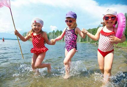 Как обеспечить безопасность ребенка на пляже: 5 важных правил