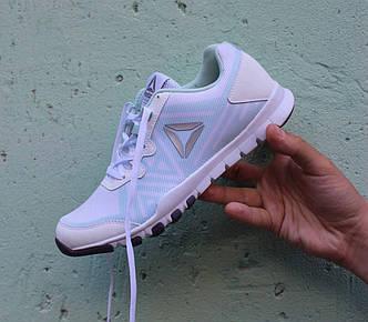 Фирменные женские белые кроссовки летние Reebok EverChill BD5226