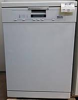 Професійна посудомийна машина Miele Professional PG 8080 BW