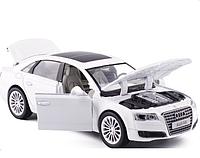 Коллекционная машинка Audi А8 белая металлическая модель в масштабе 1:32, фото 1