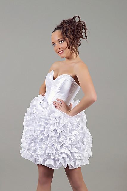 Недорогое короткое свадебное платье, цена 4 199 грн., купить в Киеве ... f19da38348a