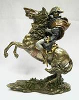 Настольная статуэтка Наполеон на коне из полистоуна. Veronese