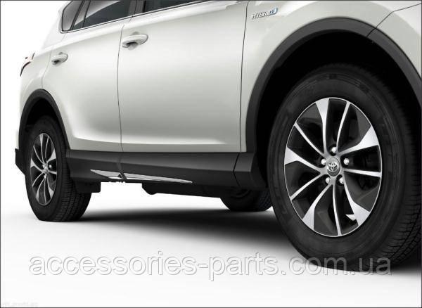 Молдинги на низ дверей Toyota Rav4 2015+ Новые Оригинальные