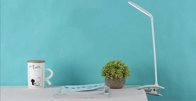 Светодиодная настольнаяLED лампа-прищепка Remax RT-E195